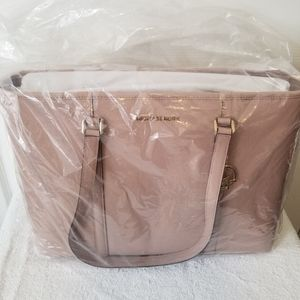 Michael Kors Multifunctional Top Zip Tote! NWT